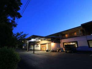 八勝園湯元館の写真