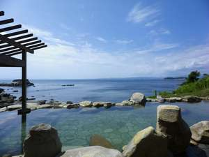 南紀白浜 浜千鳥の湯 海舟:南紀白浜で唯一の混浴露天風呂!【浜千鳥の湯】潮の満ち干を感じられる絶景の湯です。