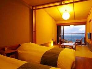 南紀白浜 浜千鳥の湯 海舟:【波の抄/3~5階】ベッドルームからでも、和室からでも お部屋の眺望は大海原です。