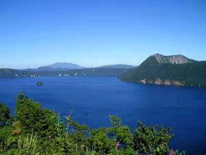摩周湖ユースホステル:夏の摩周湖です。世界有数の透明度を誇る神秘の湖です。
