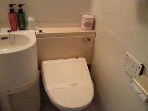 ホテルシールート:リモコンタイプのシャワートイレ