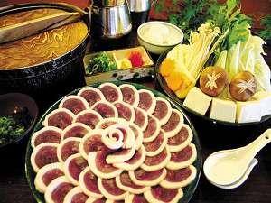 千早赤阪村営宿泊施設 香楠荘:しゃぶしゃぶで食べる鴨肉(合鴨肉使用)はくせがなく食べやすい 仕上げの雑炊は絶品
