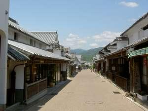 ビジネスホテル稲田苑:藍で栄えたうだつの町並み古い時代の良さを感じさせてくれます。