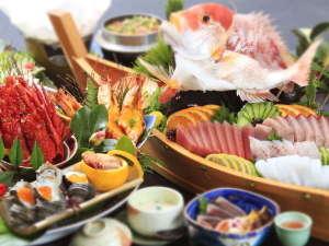 あしずり温泉郷 足摺パシフィックホテル花椿:◆皿鉢会席の一例(皿鉢/舟盛りは4名盛り)