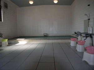 ビジネスホテル あおば:ゆったり大浴場で温泉気分