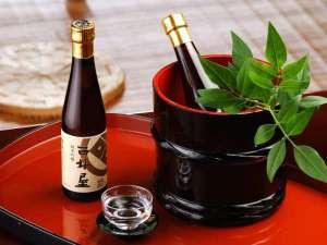 記念日やお祝いには『西村屋 純米吟醸』で乾杯(300ml 1,575円)
