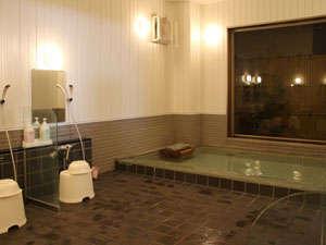 伊勢崎平成インあかぎ:男性大浴場。ご利用時間15:00~24:30、5:30~10:00