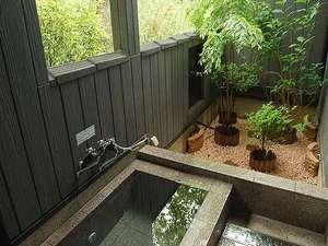 好きな時に何度も入れる嬉しい空間。客室露天風呂一例