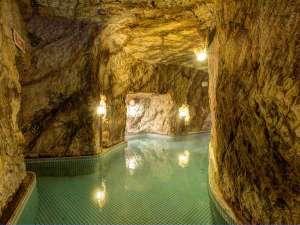 江の島の歴史を伝える宿 岩本楼本館:*弁天洞窟風呂(島に伝わる神秘の湯)