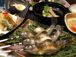 湯元館:スタンダードプランのお料理イメージです。※メニューは旬の食材によりかわります。
