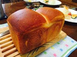 お宿 おばたけ:朝食の焼きたてパン