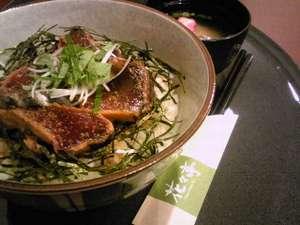 ホテルルートイン御前崎:御前崎ならではのお料理を是非お試しください!夕食メユー一例:カツオの鉄火丼