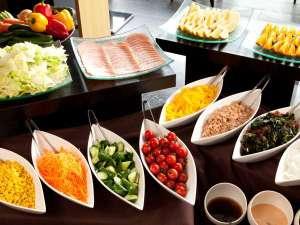 CANDEO HOTELS (カンデオホテルズ)福山:彩り野菜で朝からヘルシー