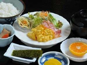 美濃加茂ステーションホテル:朝食の和食セットです。※卵料理は日によって違いが御座います。