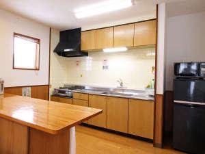 アグリ工房まあぶ:*【部屋・キッチン】使い勝手の良いキッチンには調理器具を完備しております。