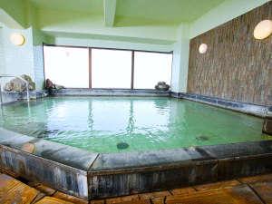 【展望風呂・男湯】ビジネスタイプのホテルに天然温泉がついてる贅沢。