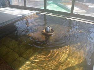 ヴィラ雨畑 雨畑湖温泉:*大浴場一例/地下60mより湧き出る天然温泉は、筋肉痛や関節痛に効果あり!