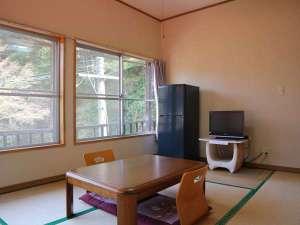 湯川内温泉かじか荘:*【和室6畳一例】3名様までご利用いただけます。