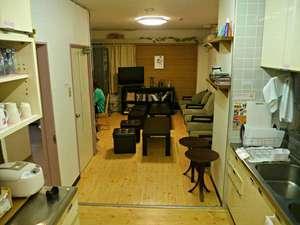 Hiroshima Hana Hostel (広島花宿):キッチン(24時間利用可能)