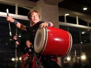 グランヴィリオ リゾート石垣島 グランヴィリオガーデン:【エイサー舞踊】日替わりのエンターテイメントショー