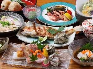 海の見える小さなお宿 金子旅館:新鮮な海の幸をどうぞご賞味ください(料理一例)