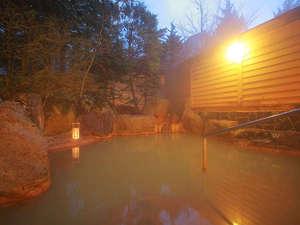 KKR平湯たから荘(国家公務員共済組合連合会平湯保養所):時間や天気によって色が変わる不思議な温泉