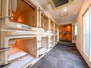 カプセル&サウナロスコ(旧カプセルイン駒込):*【客室一例】2段式横型カプセルルーム