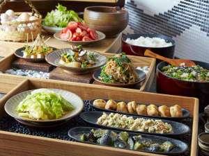 """松本ホテル花月:朝食ブッフェ長野県産の食材をふんだんに使った""""おばんざいブッフェ"""""""