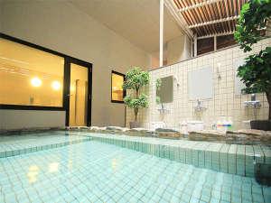★男女別の活性石温泉大浴場は外風呂と内風呂の2つございます(14時~深夜2時/朝5時~10時)★
