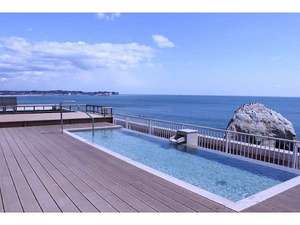 北茨城ロハス 磯原シーサイドホテル:【屋上/天空露天風呂】真っ青な大空の下の、天空露天風呂♪天気の良い日は早朝の日の出も!