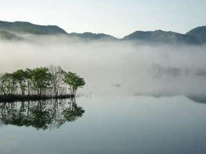 祭畤温泉(まつるべ温泉) かみくら :【早朝の奥州湖】カヤック体験で神秘的な景色を