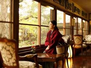 伊豆修善寺温泉 湯回廊 菊屋:【館内廊下】日常の喧騒から離れ、静かな時間が流れる菊屋で癒しの時間をお過ごし下さい。