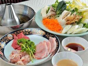 栂池高原ホテル:信州自慢のお肉の食べ比べ。信州プレミアム牛・信州豚・信州福味鶏。信州の味を堪能ください。