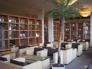 「プラナスタイル」南の国の楽園をイメージした店内には、リゾート感溢れる演出がいっぱい。