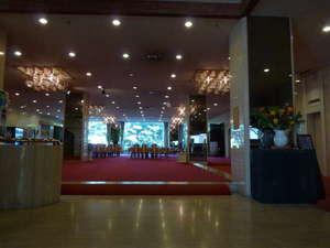 都城ロイヤルホテル:広々としたロビー