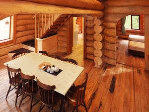 コテージ&貸別荘 グリーンバレー白馬:ログハウスタイプ室内例