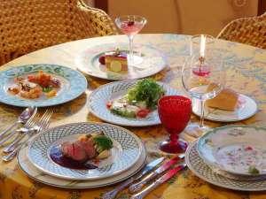 アクアペンション クッチェッタ:夕食は欧風ビストロコースをベースとして5種類のプランからお選び下さい。