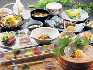 宮中島温泉 ミオンなかさと:*旬の素材を使ったお料理をご提供しています。(お料理一例)