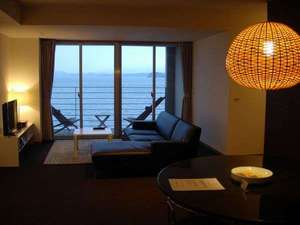 オレンジ・ベイ:3階【和洋室スイートルーム】90㎡の洋室に和室がつく贅沢な空間