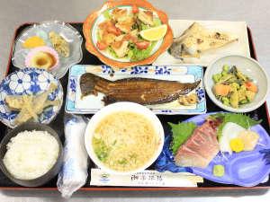 健康応援の宿 しおゆ旅館:【ある日の夕食】管理栄養士の女将が作る日替わり料理
