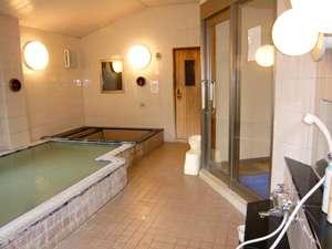 アイランドホテル:白馬天神の湯を使った温泉浴場