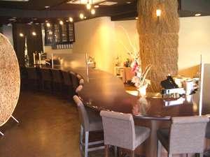 アイランドホテル:モダンでクラシックな雰囲気は、和食と融合し、素敵な空間で、お召し上がりいただけます。