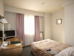 アイランドホテル:16㎡広めのシングルルーム