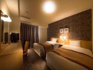 ホテル法華クラブ湘南藤沢:ツインルームは19平米。ベッド幅はシングルと同じ120センチでご家族でのご利用にもGOOD!