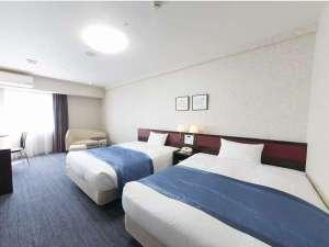 ホテル法華クラブ湘南藤沢:デラックスツインは余裕の27.8平米。幅140センチのシモンズ社製ダブルベッドで快適ステイを!