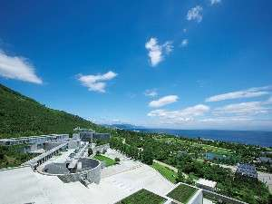 ウェスティンホテル淡路:壮大な緑の大地「淡路島 国営明石海峡公園」の大パノラマ