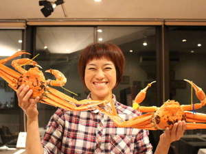 地ビール・梅風呂の宿 湖上館パムコ:こんなおっきな越前蟹!冬だけの美味、ご堪能あれ!