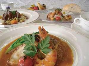 パルシェ香りの湯:第五回淡路島創作料理コンテストで最優秀賞を頂いた『淡路島の恵み』です。ぜひご賞味あれ。