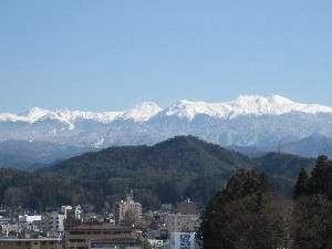 新雪を抱く冬の乗鞍岳
