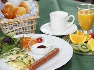 ガストホフ メラージ:朝食は引き立てコーヒーと紅茶、フレーバーティーが飲み放題!